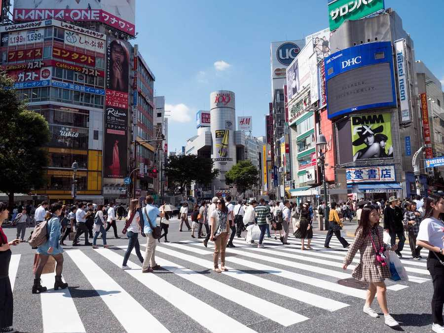 Trying our hand at the busy Shiubuya crossing