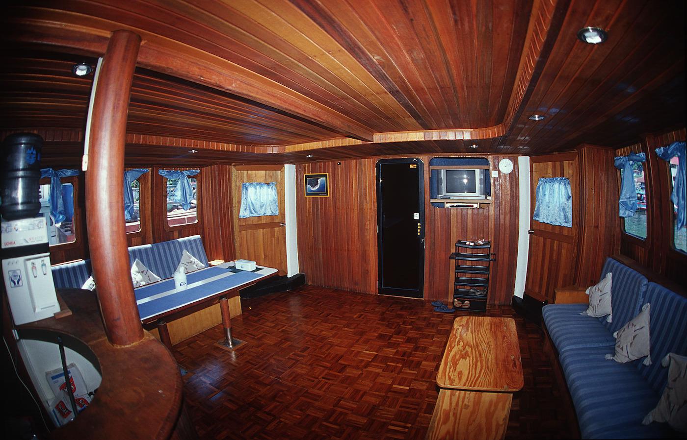 King Millenium Surf Charter Boat Mentawai Islands Lounge