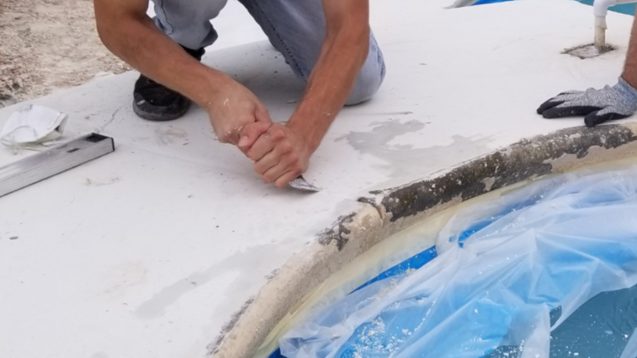 concrete-pool-deck-restoration--fixing-02