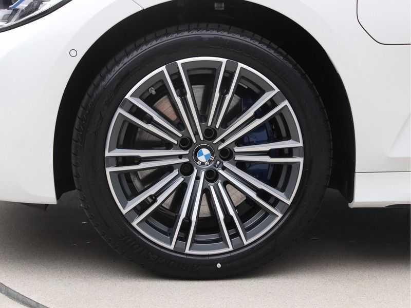 BMW 3 Serie Touring 330e xDrive Exe M-Sport Hybrid afbeelding 22
