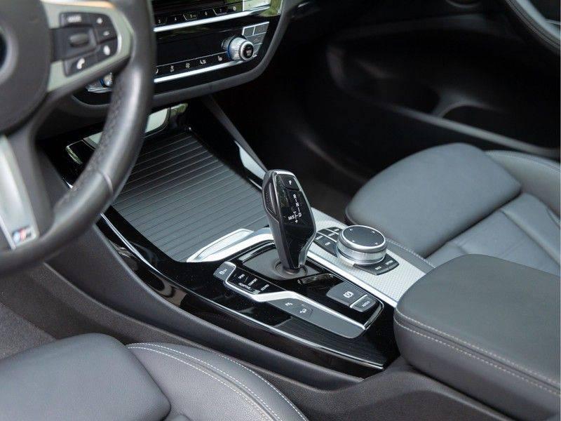 BMW X3 xDrive30i M-Sport - Trekhaak - ACC - Panorama - Head-up - Standkachel afbeelding 22