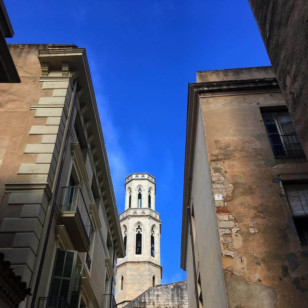 Figueres streets and Parish church of St. Peter