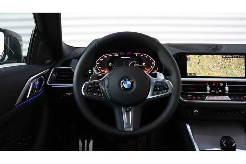 BMW 4 Serie Coupé M440i xDrive High Executive Harman/Kardon, Head Up Display, Schuifdak afbeelding 4