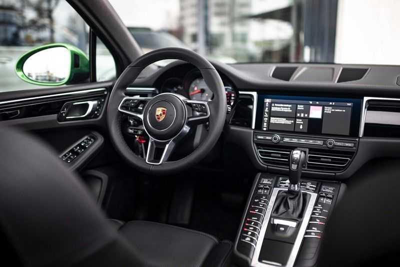 """Porsche Macan 3.0 S *Pano / 21"""" / Memory / DAB+ / Luchtvering / Rijbaanassistent* afbeelding 11"""
