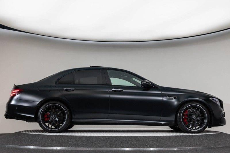 "Mercedes-Benz E-Klasse E63s AMG EDITION 1 4Matic 612pk (MAGNO MAT) Panoramadak Distronic Nightpakket Schaalstoelen Burmester Carbon ComandOnline Keyless 20"" Parktronic Pdc afbeelding 12"