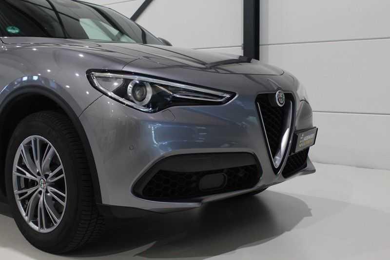 Alfa Romeo Stelvio 2.0 T AWD Super Veloce pack | Sportstoelen | Trekhaak | Adaptive cruise control | Leer afbeelding 24
