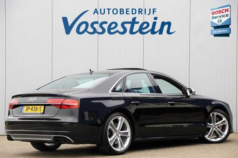 Audi S8 4.0 TFSI quattro Pro Line+ / B&O / Nightvision / Side- & Lane assist / Schuifdak / Head-Up afbeelding 18