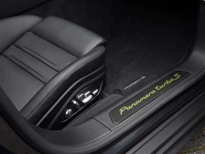Porsche Panamera TURBO S E-HYBRID AKRAPOVIC+PANO.DAK NP.240K afbeelding 9