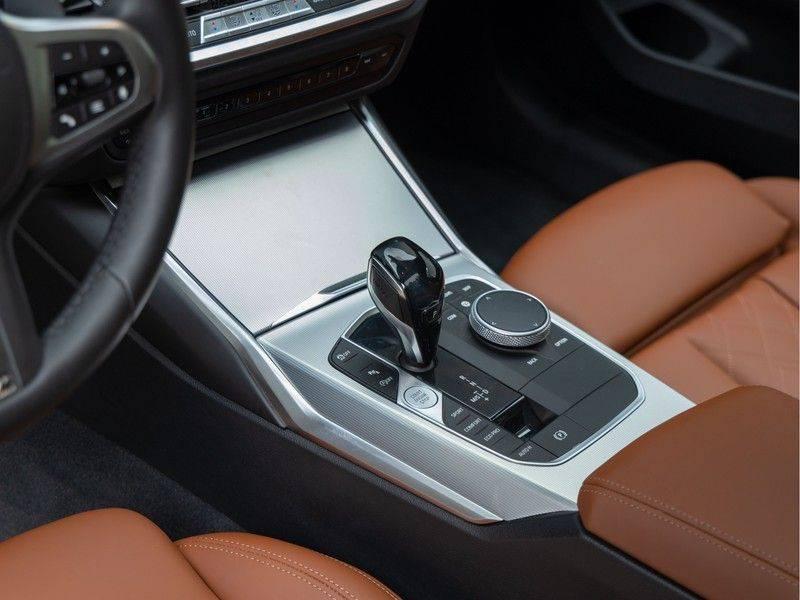BMW 3 Serie Touring 330i M-Sport - Individual - Memoryzetels - Trekhaak - Panorama afbeelding 22