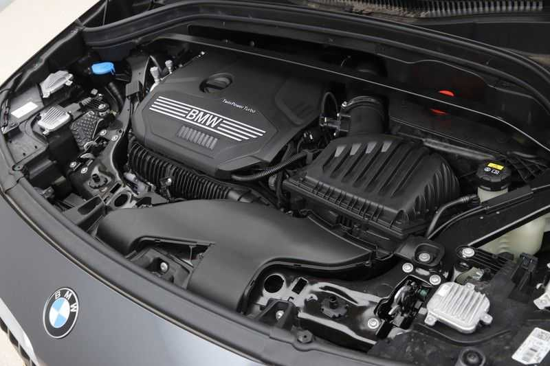 BMW X2 sDrive20i High Exe Aut. afbeelding 2