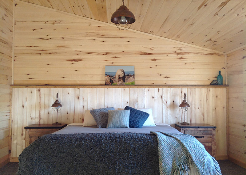 guest room in the inn at churchill wild