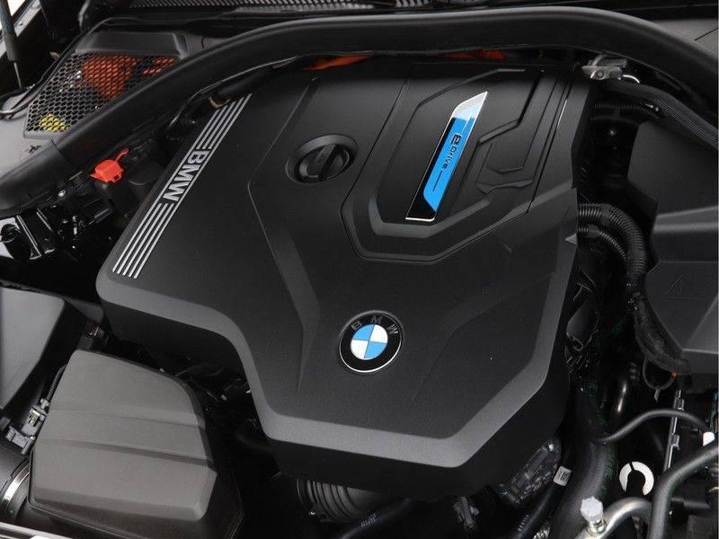 BMW 3 Serie 320e High Exe M-Sport Hybrid afbeelding 4