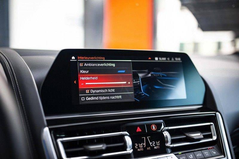 BMW 8 Serie 840d xDrive High Executive *Laser / Harman-Kardon / HUD / Nachtzicht / Carbon / ACC / Nekverwarming* afbeelding 19