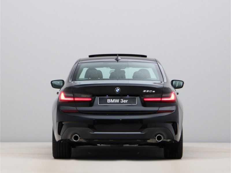 BMW 3 Serie 330e High Exe M-Sport Aut afbeelding 7