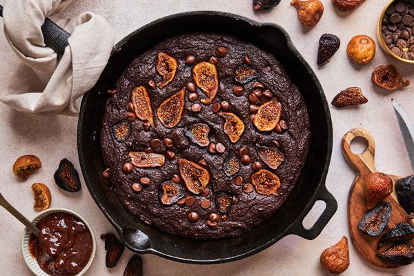 Chocolate Fig skillet brownies (sugar free — naturally sweetened)