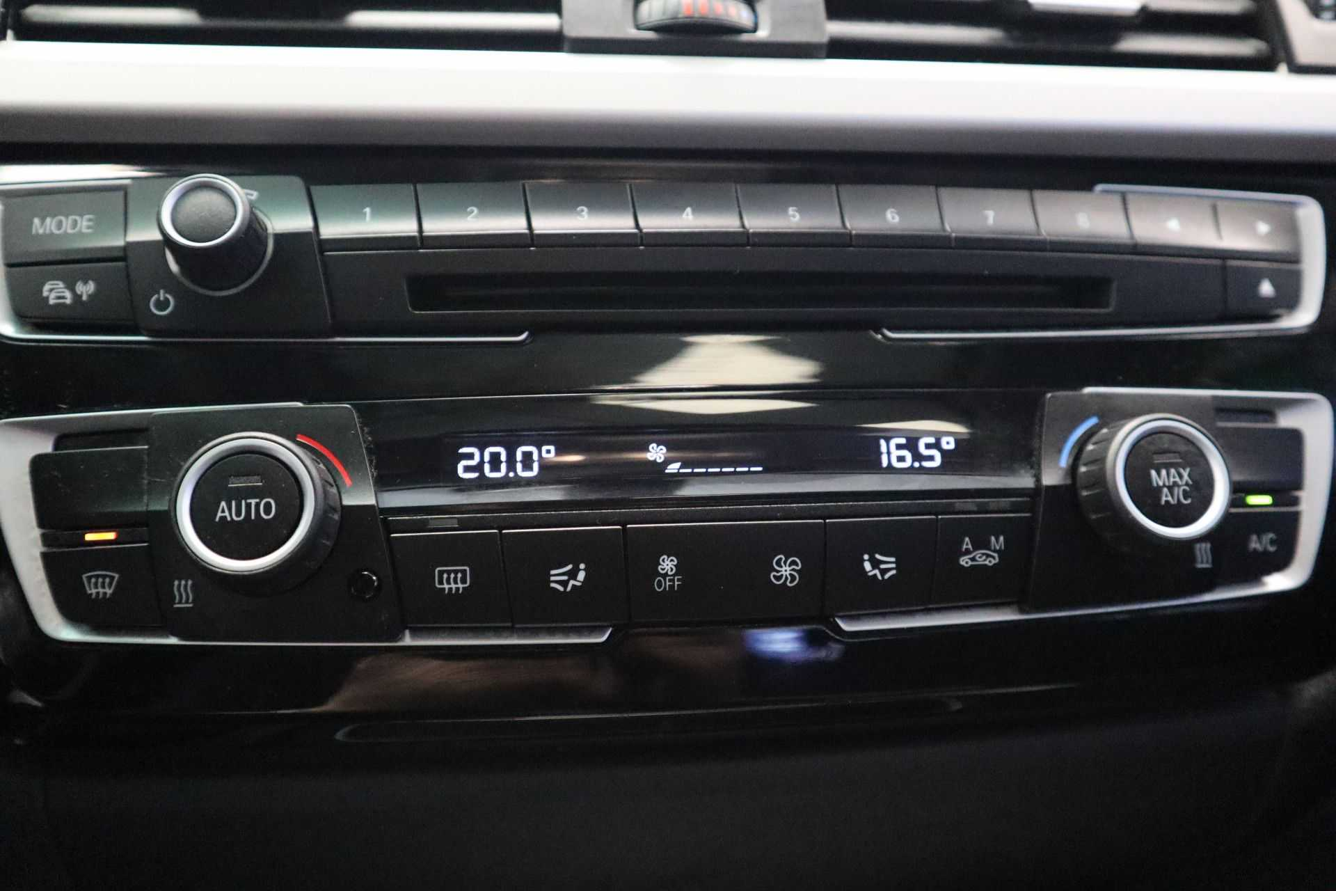 """BMW 3 Serie 330e M Sport Full Led Navigatie Clima Cruise 18""""LM afbeelding 17"""
