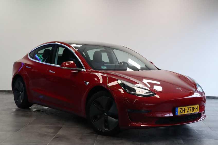 "Tesla Model 3 Long Range EX BTW FSD! Rood Zwart Navigatie 18""LM 4% Bijtelling"