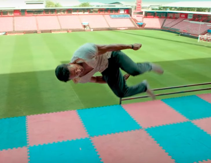 Student Of The Year 2 Tiger Shroff Flying