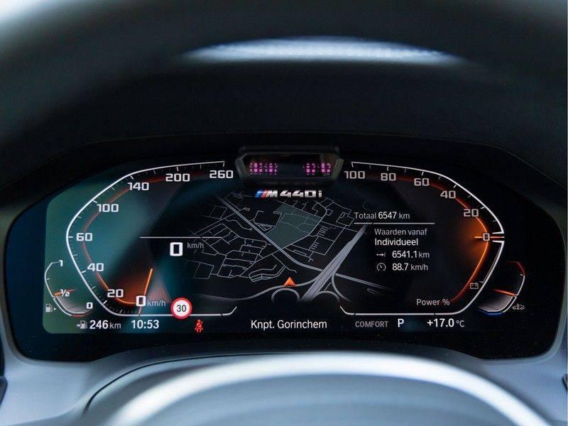 BMW 4 Serie Coupé M440i xDrive - High Executive - M-Remmen - Harman Kardon - Driving Ass Prof afbeelding 22
