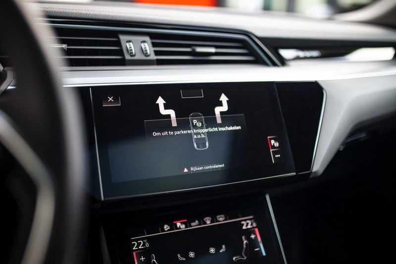 "Audi e-tron Sportback 50 Quattro S Edition *Pano / HUD / 21"" / Stad Pakket / DAB* afbeelding 17"