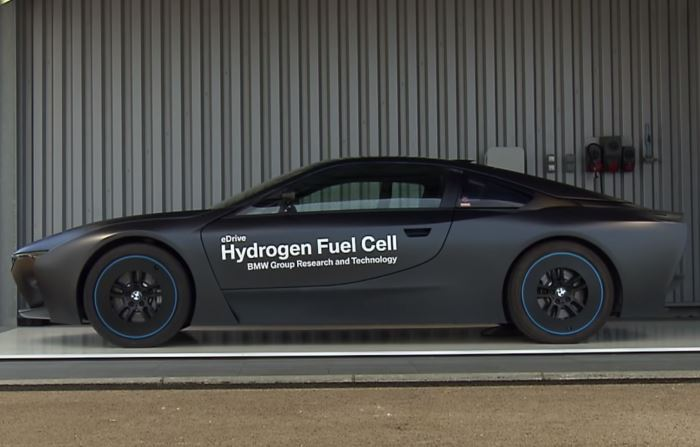 A side view of the BMW Hydrogen i8