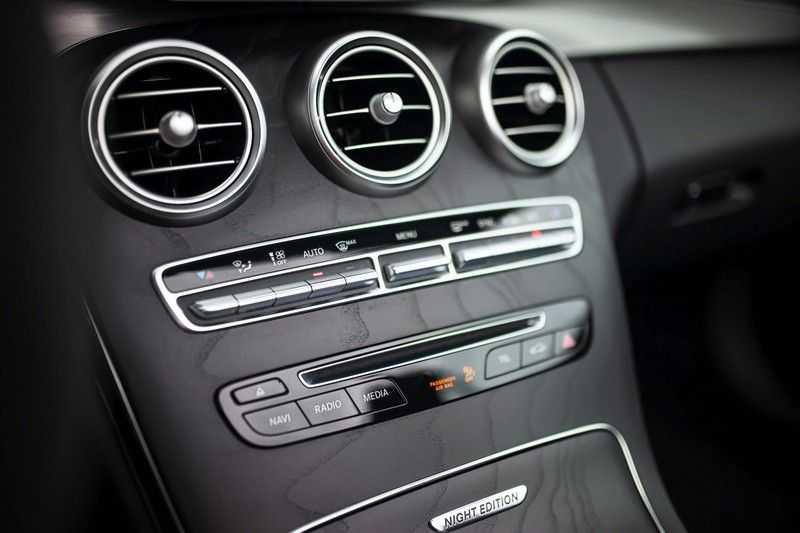 Mercedes-Benz C-Klasse Cabrio 180 Premium *AMG-Line / Airscarf / Keyless Go* afbeelding 17