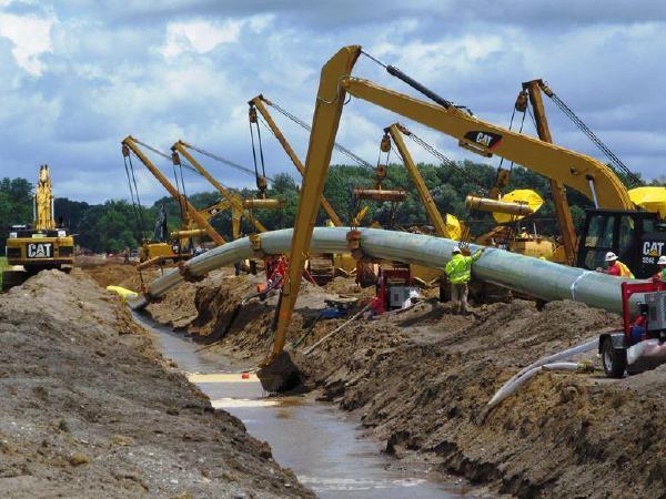 트럼프, 환경파괴논란 '키스톤XL-다코타송유관'허용