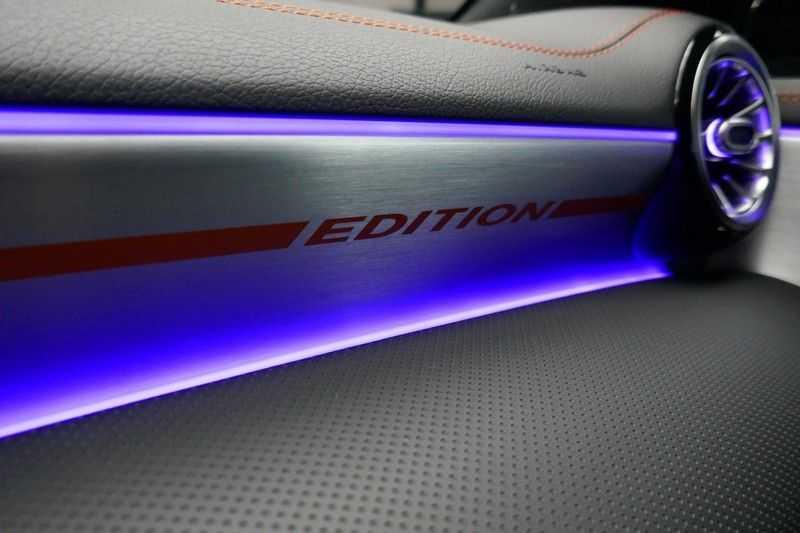 Mercedes-Benz CLA-Klasse 200 d /// AMG Edition 1 Nightpakket - Sfeer verlichting afbeelding 23