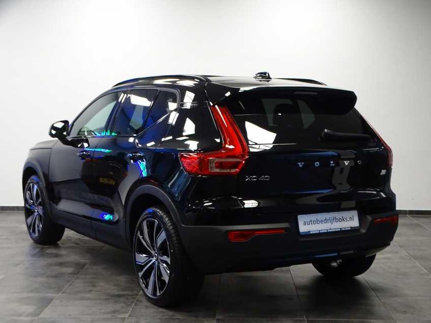 """Volvo XC40 Recharge P8 AWD R-Design EX BTW 20""""LM Panorama Leder 8% Bijtelling meerdere op voorraad! afbeelding 5"""