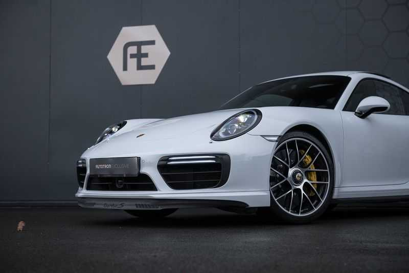 Porsche 911 Turbo S 991.2 3.8 Carbon seats + Keramisch + 4-wiel best. + NP € 331.000,- + Dak + Carbon + Bose + Carplay + ACC afbeelding 4