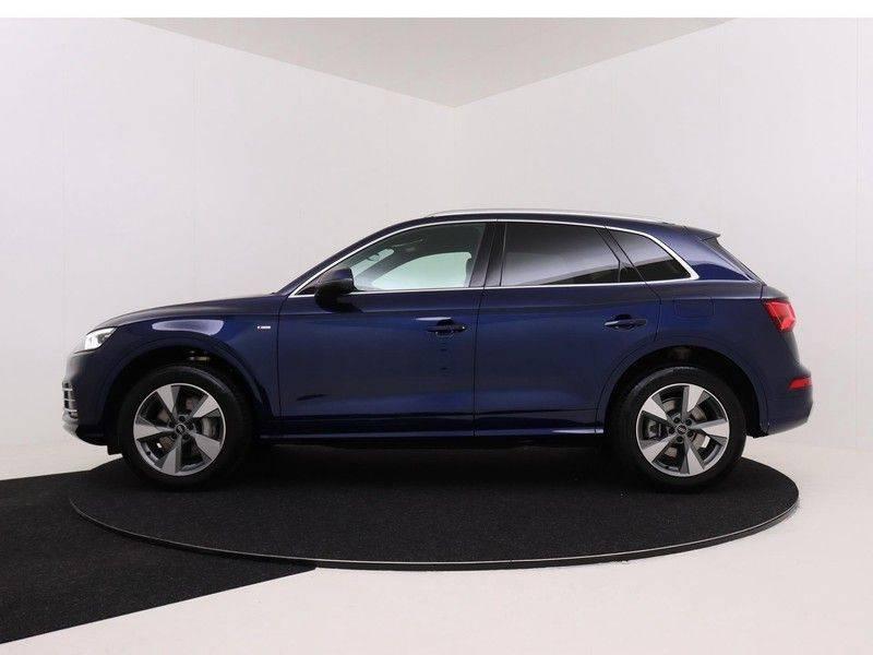 Audi Q5 50 TFSI e 299 pk quattro S edition   S-Line   Elektrisch verstelbare stoelen   Trekhaak wegklapbaar   Privacy Glass   Verwarmbare voorstoelen   Verlengde fabrieksgarantie afbeelding 6