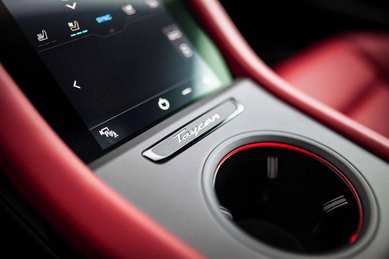 Porsche Taycan 4S Performance 84 kWh *Prijs Ex. BTW / BOSE / ACC / Sport Chrono / HUD* afbeelding 25