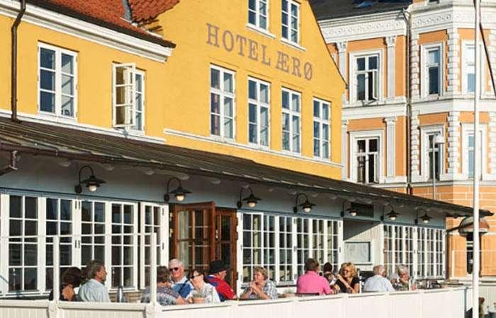 hotel aeroe facade