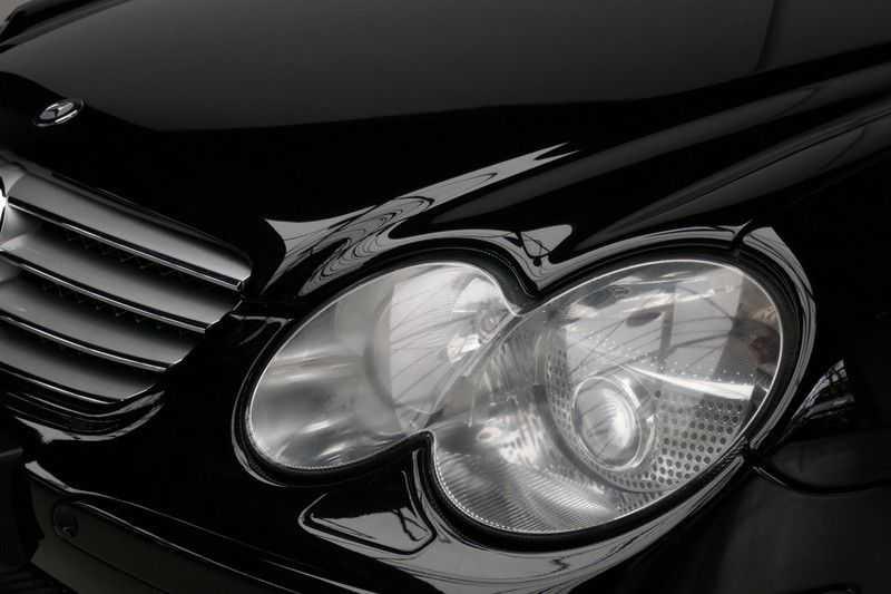 Mercedes-Benz SL-Klasse 65 AMG V12 afbeelding 19