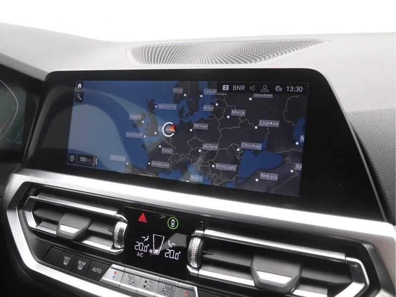 BMW 3 Serie Sedan 318i Executive Sport Line Automaat afbeelding 13