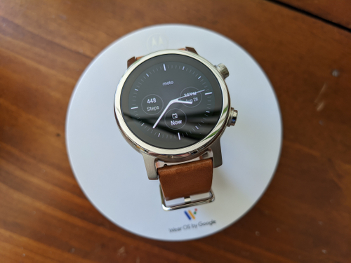featured image thumbnail for article Moto360 3rd Generation Review: Wear OS still holding things back