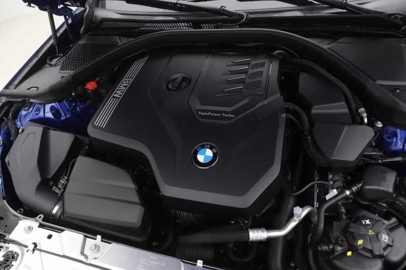 BMW 3 Serie 330i Touring High Executive M-Sport Automaat afbeelding 7