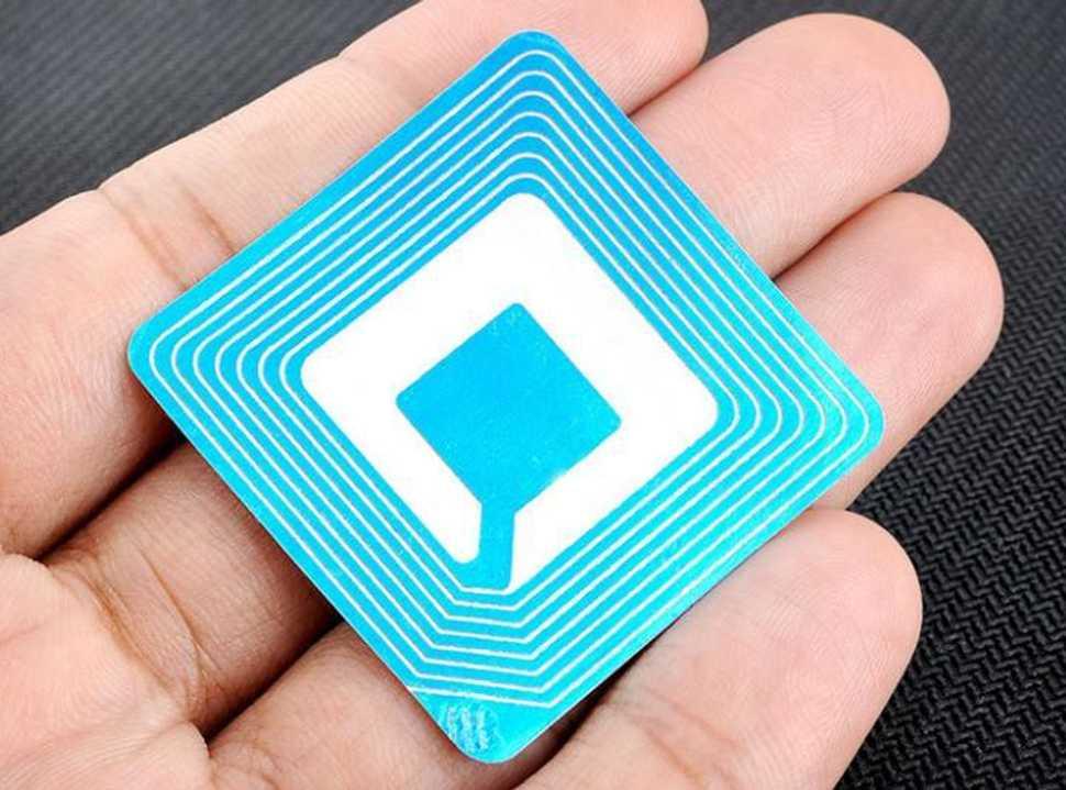 Accruent - Resources - Blog Entries - Passive vs. Active RFID in Hospitals - Hero