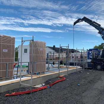 Husleveranse av tomannsboligen Noelle på Vinterbro i dag ✨ Det er så gøy å se all aktiviteten som er rundt på byggeplassene om dagen 👏🏼