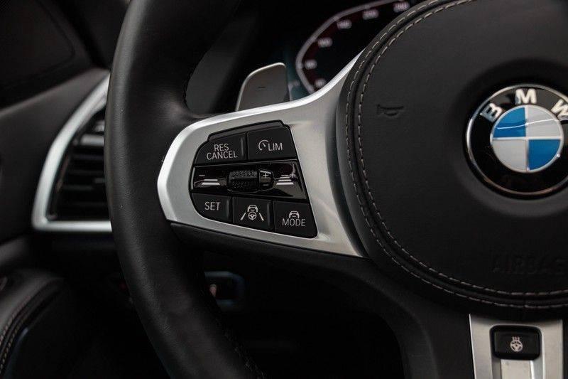 "BMW X5 M40i xDrive 340pk Panoramadak VirtualCockpit ShadowLine Sportleder+Memory Head-Up Hifi Luchtvering ACC Laserlicht AmbientLight Keyless Sportuitlaat 22"" 360Camera ParkAssist Pdc afbeelding 22"