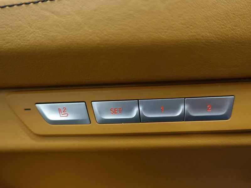 BMW 7 Serie 730d xDrive Individual 266pk M-Sport Aut8 Full options, Nw prijs €163.439,- afbeelding 15