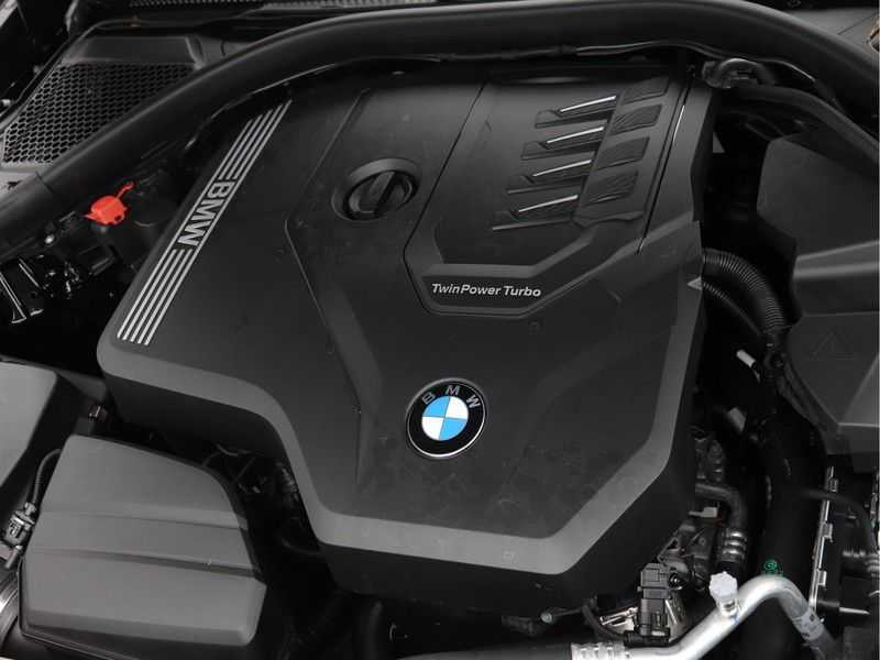 BMW 3 Serie 320i High Executive Model M Sport afbeelding 5