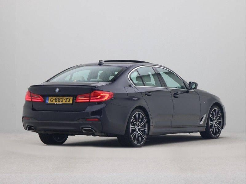 BMW 5 Serie Sedan 540i High Executive M-Sport Automaat afbeelding 9