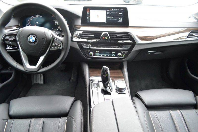 BMW 5 Serie 530i xDrive Luxury Line Facelift afbeelding 8