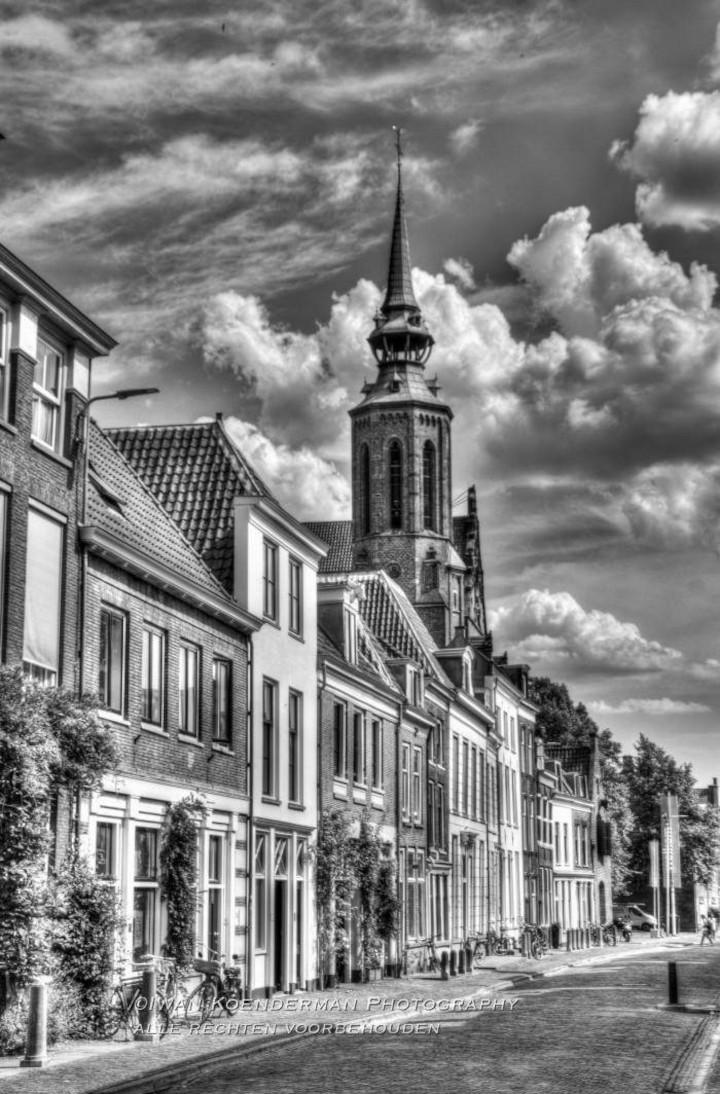 Zwart-wit HDR foto van de Lange Nieuwstraat in Utrecht | advies en ondersteuning in social selling aan mkb