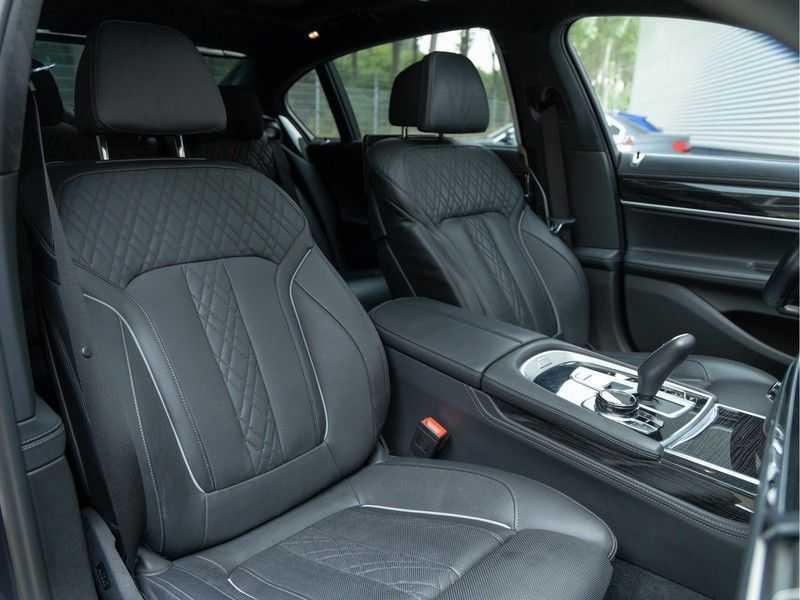 BMW 7 Serie M760Li xDrive - Bowers & Wilkins Audio - Night Vision - Entertainment Professional afbeelding 17