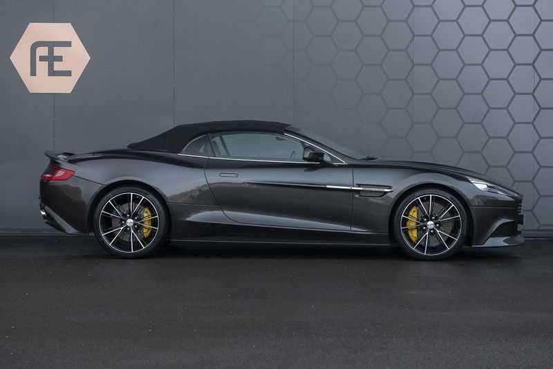Aston Martin Vanquish Volante 6.0 V12 Touchtronic 2+2 1e eigenaar & NL Geleverd dealer onderhouden afbeelding 5