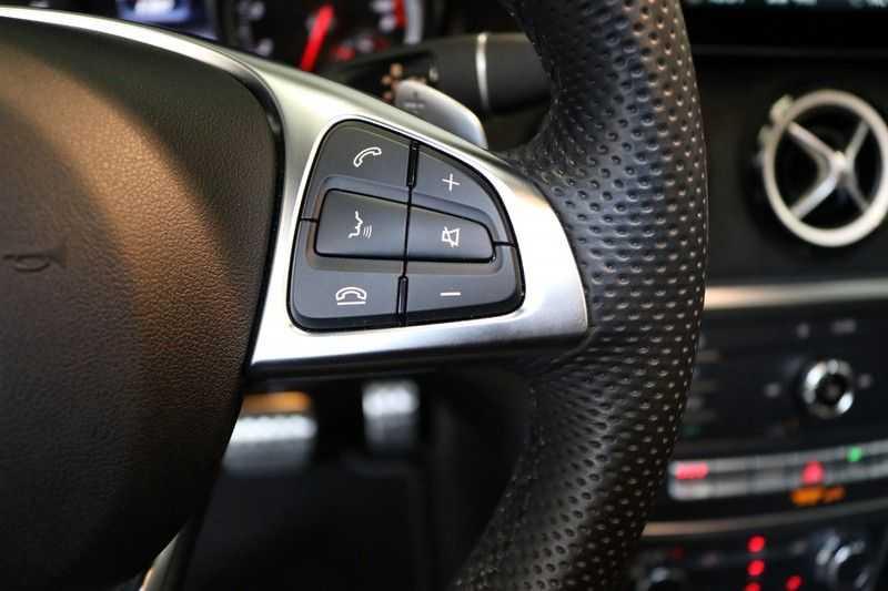 Mercedes-Benz CLA-Klasse Shooting Brake 180 PEAK Edition | Panoramadak | Achteruitrijcamera | AMG Pakket | Keyless | afbeelding 15