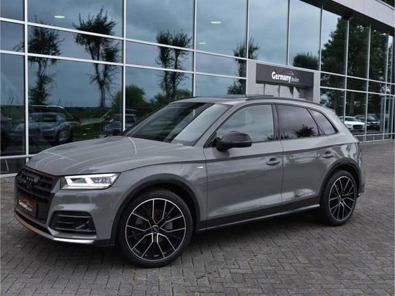 Audi Q5 2.0TFSI 252pk Quattro S-Line Lucht Black Edition Quantum! RS-Zetels Carbon Pano 360Camera 20-Inch