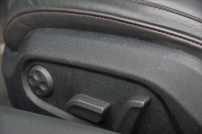 Audi R8 Spyder 5.2 V10 FSI / Akrapovic / Carbon Pack / B & O / Ceramic / Camera / Audi Exclusive / Cruise afbeelding 17